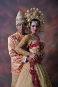 Foto-Pernikahan-Kiwil-dan-Lina-Marlina-baru-300x451