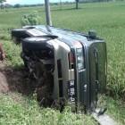 Kecelakaan Lalu Lintas : Minibus Terguling di Sawah