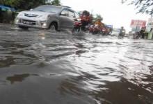 Setiap Hujan Deras Jalan Makamhaji Tergenang Air