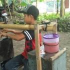 Inilah Roin Seorang Anak Yatim yang Merantau Berjualan Siomay Keliling