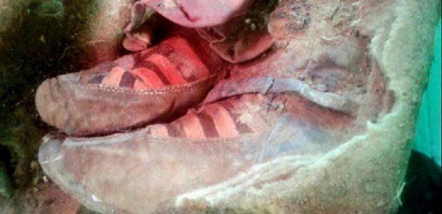 Sepatu Adidas Ditemukan Bersama Mumi Berusia 1.500 Tahun