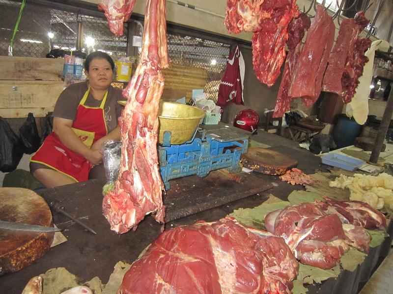 Penjual-daging-sapi-di-pasar-gede-Solo