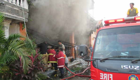 kebakaran gudang benang jombor ceper