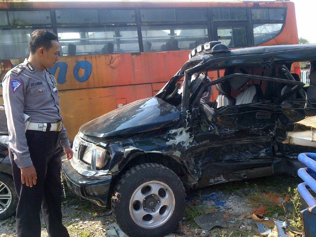 kondisi mobil escudo pasca kecelakaan
